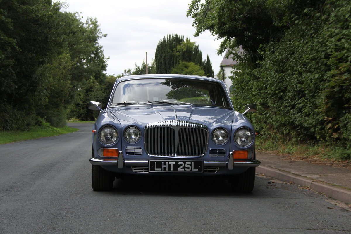 1973 Daimler Sovereign 2.8 Series I MOD - 11,000 miles from new! SOLD (picture 2 of 21)