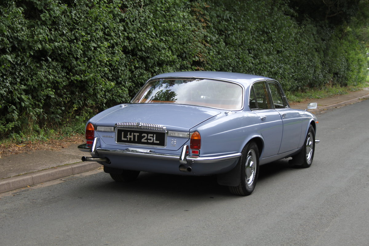 1973 Daimler Sovereign 2.8 Series I MOD - 11,000 miles from new! SOLD (picture 6 of 21)