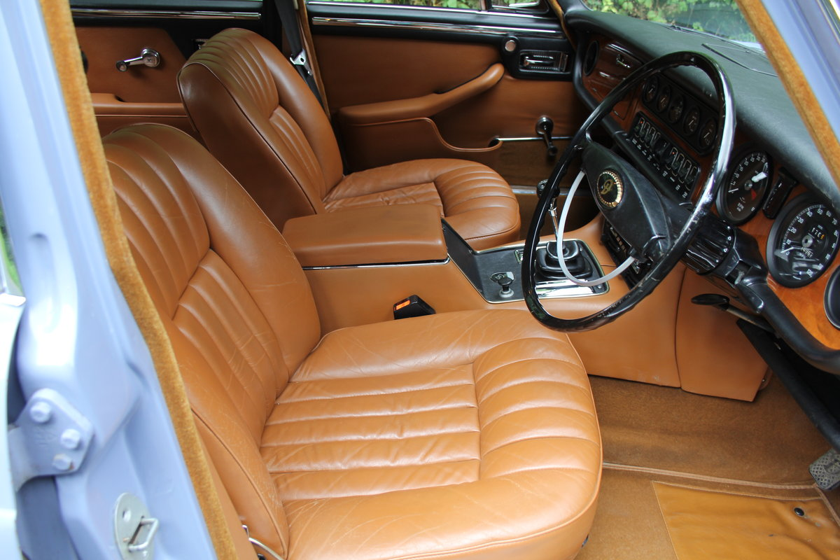 1973 Daimler Sovereign 2.8 Series I MOD - 11,000 miles from new! SOLD (picture 8 of 21)