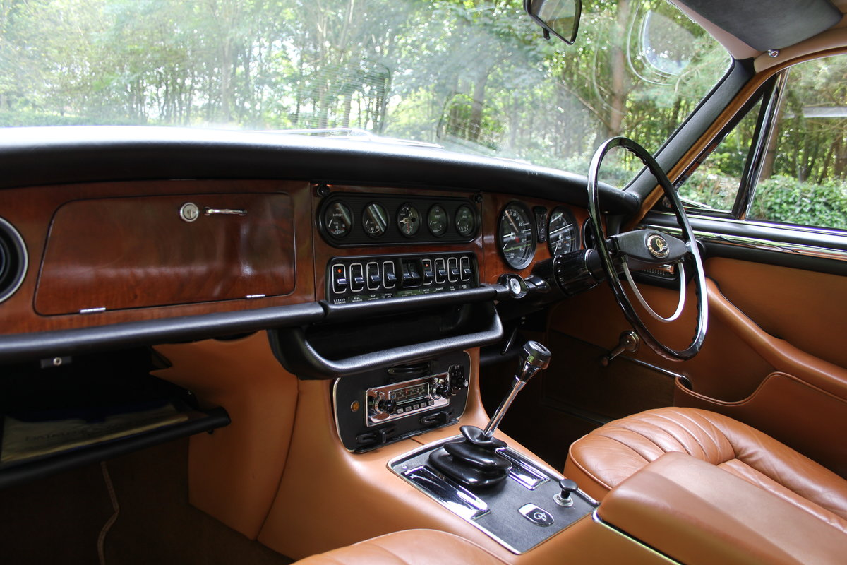 1973 Daimler Sovereign 2.8 Series I MOD - 11,000 miles from new! SOLD (picture 10 of 21)
