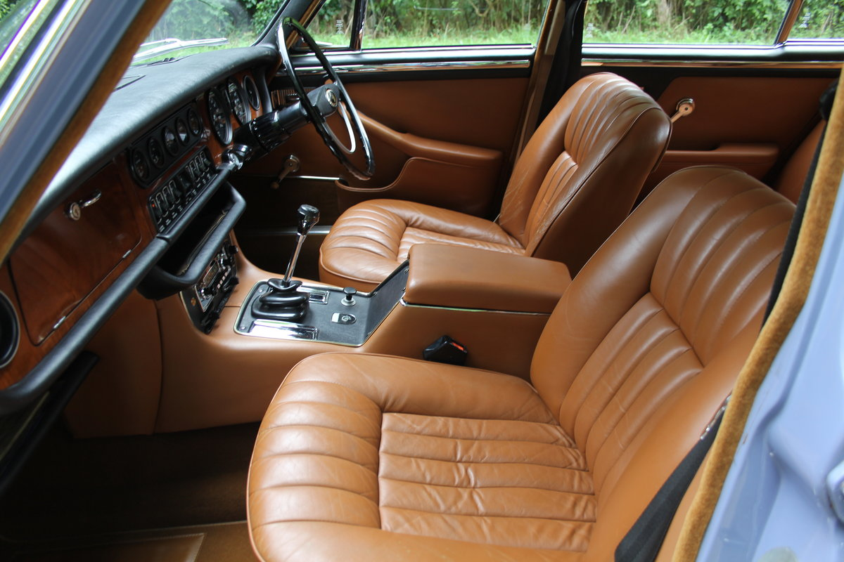 1973 Daimler Sovereign 2.8 Series I MOD - 11,000 miles from new! SOLD (picture 11 of 21)