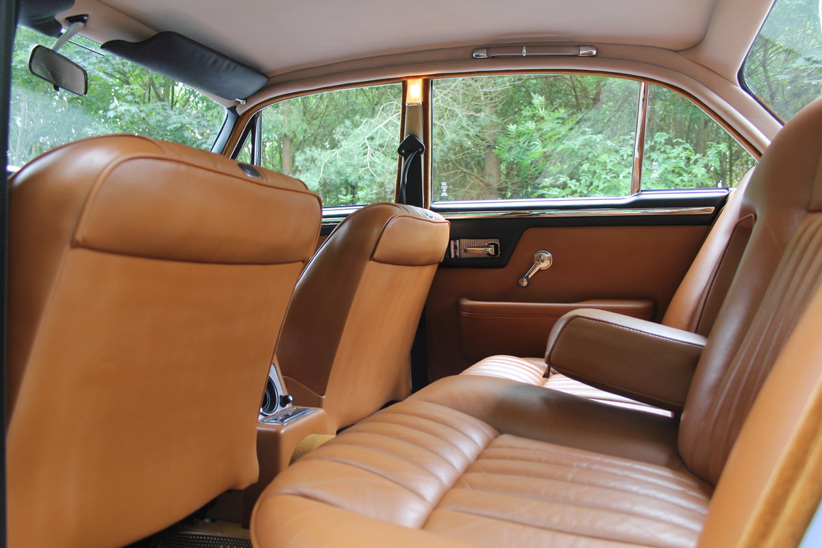1973 Daimler Sovereign 2.8 Series I MOD - 11,000 miles from new! SOLD (picture 13 of 21)