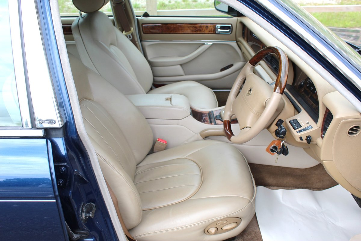 1996 Daimler Century 4.0 Litre Limousine One of 100 For Sale (picture 4 of 6)