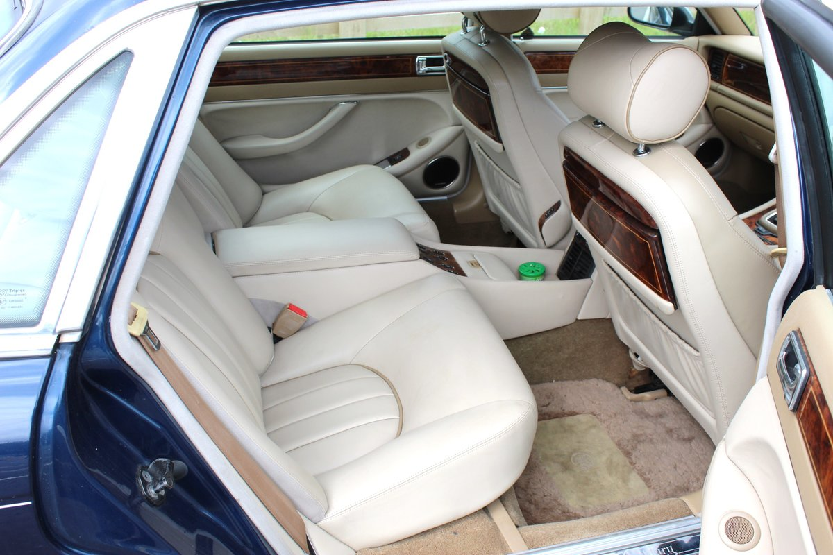 1996 Daimler Century 4.0 Litre Limousine One of 100 For Sale (picture 6 of 6)
