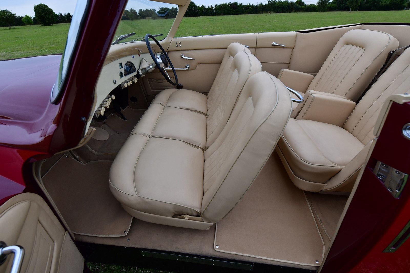1948 Daimler DE36 Drophead Coupé by Hooper For Sale (picture 4 of 6)