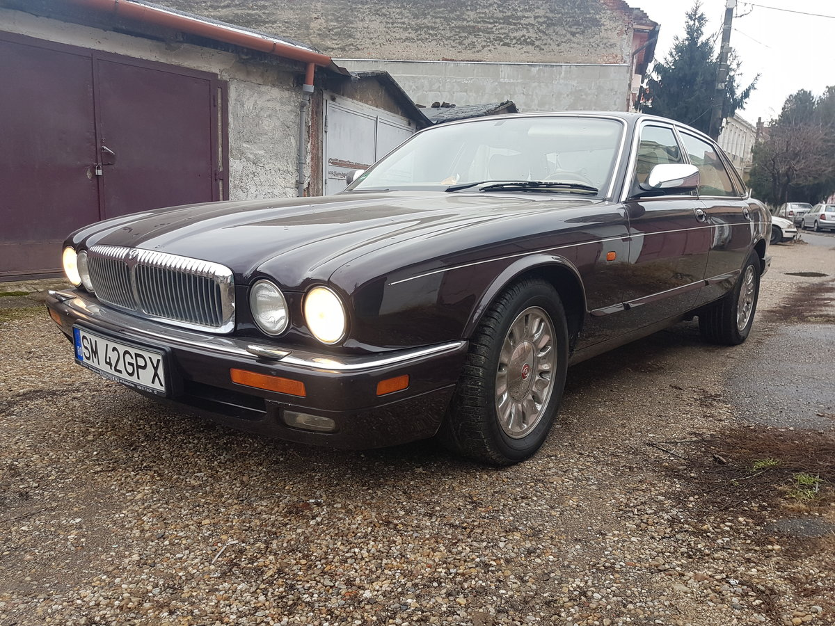 1992 Daimler six  For Sale (picture 1 of 6)