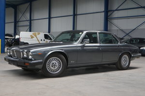 DAIMLER DOUBLE SIX, 1990 For Sale by Auction