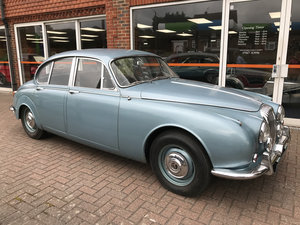 1968 DAIMLER V8 250 SALOON (2 owners & just 33,000 miles) For Sale