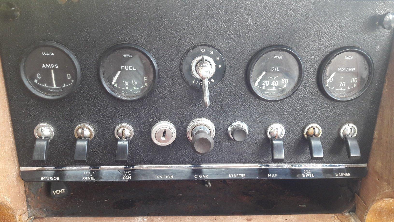 1968 DAIMLER V8 250 for RESTORATION For Sale (picture 5 of 6)