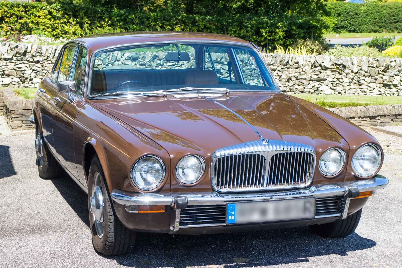 1977 Daimler Sovreign 4.2 LWB Auto.   DEPOSIT TAKEN SOLD (picture 1 of 4)