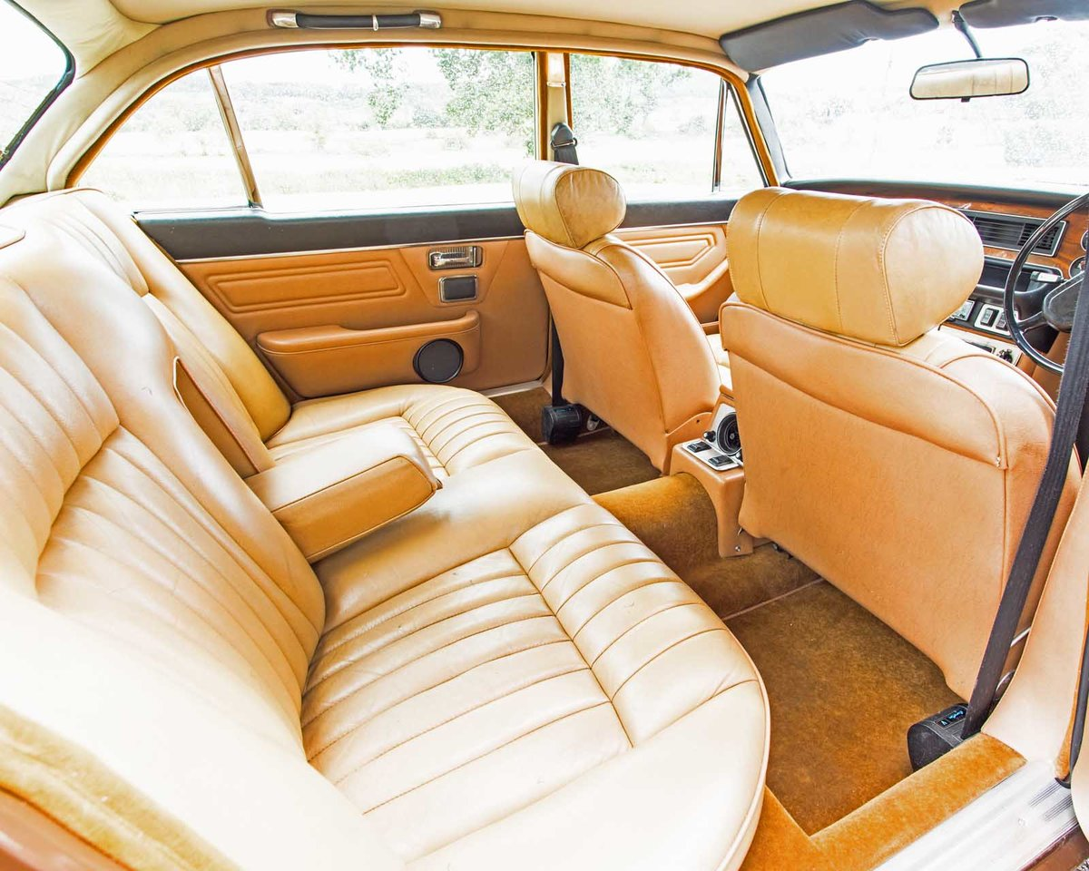 1977 Daimler Sovreign 4.2 LWB Auto.   DEPOSIT TAKEN SOLD (picture 3 of 4)