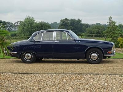1969 Daimler Sovereign 4.2 For Sale by Auction (picture 3 of 6)