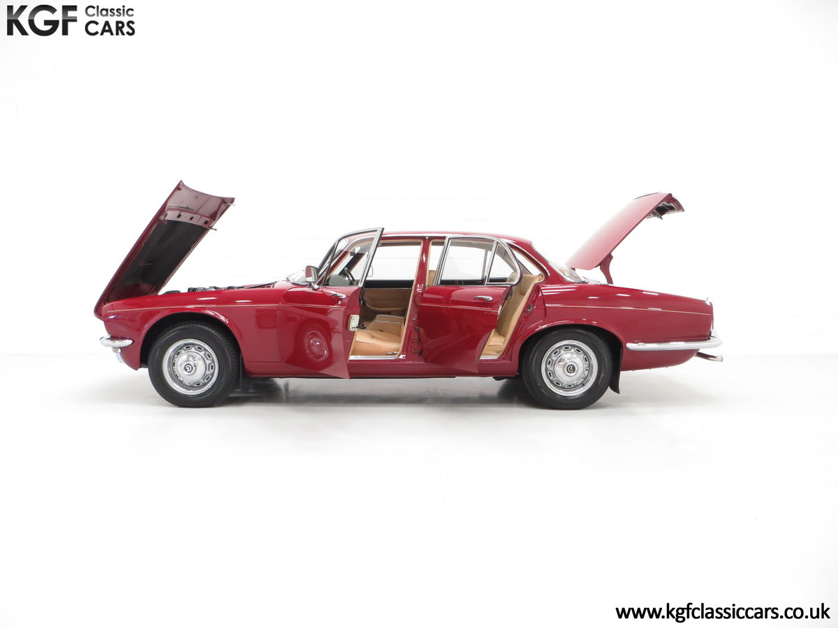 1973 A Daimler Sovereign 4.2 Litre Series II with 44,913 Miles SOLD (picture 3 of 6)