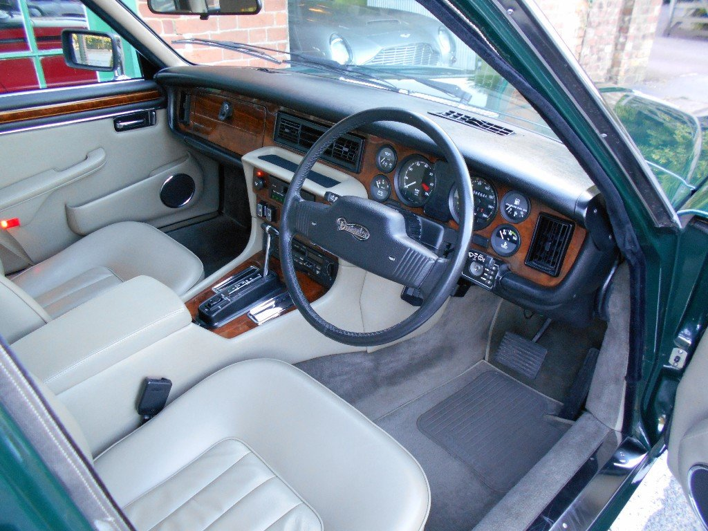 1991 Daimler Double Six  For Sale (picture 4 of 5)