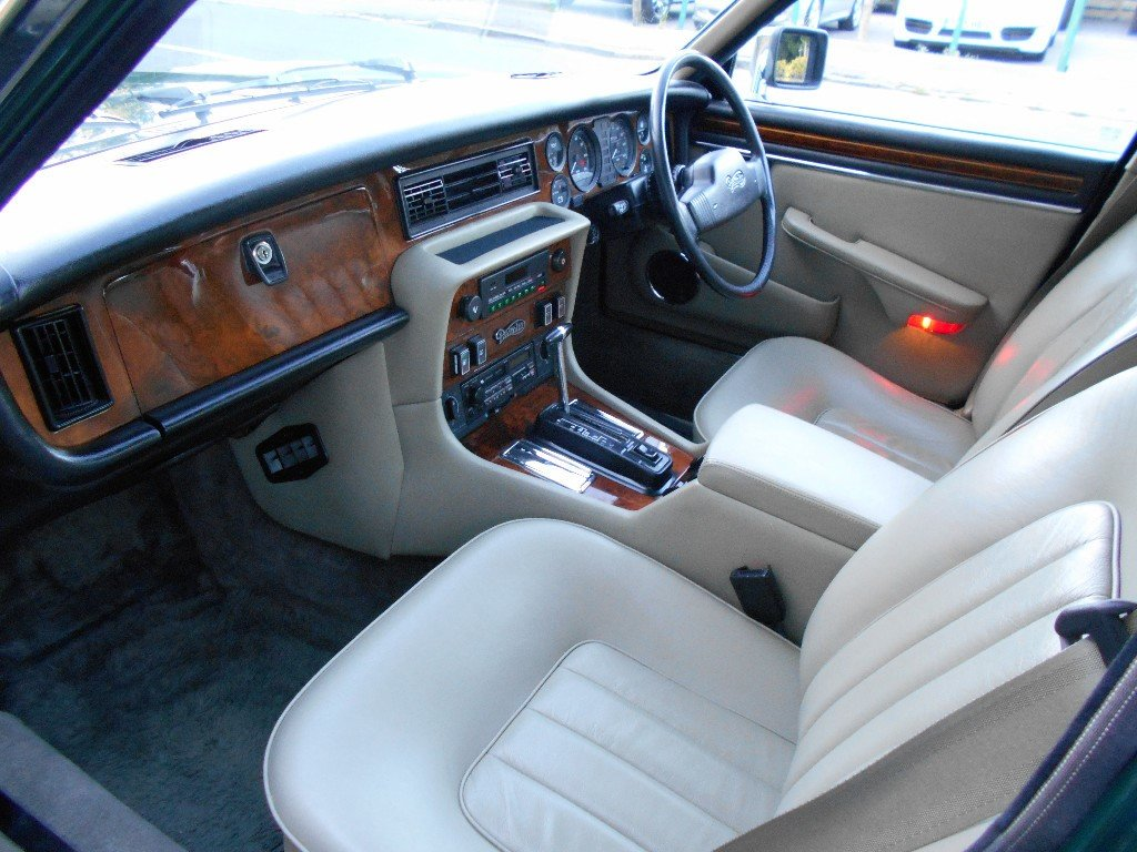 1991 Daimler Double Six  For Sale (picture 5 of 5)