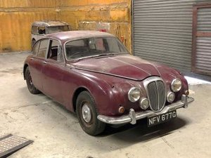 1969 Daimler V8-250 For Sale by Auction
