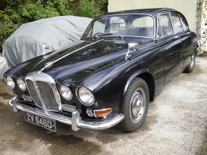 1969 Daimler Sovereign 4.2  Rock solid.
