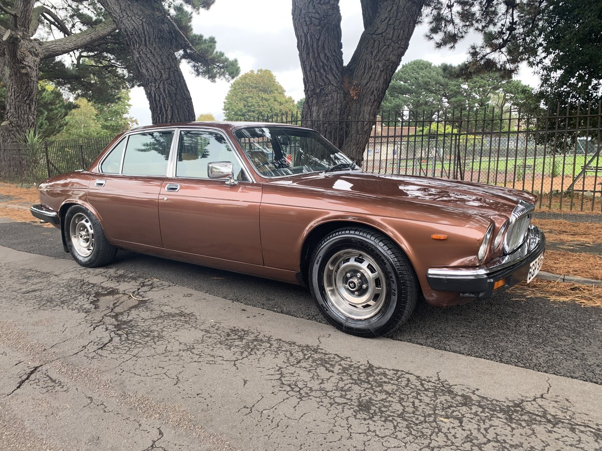 1981 Daimler 4.2 Sovereign For Sale (picture 1 of 6)