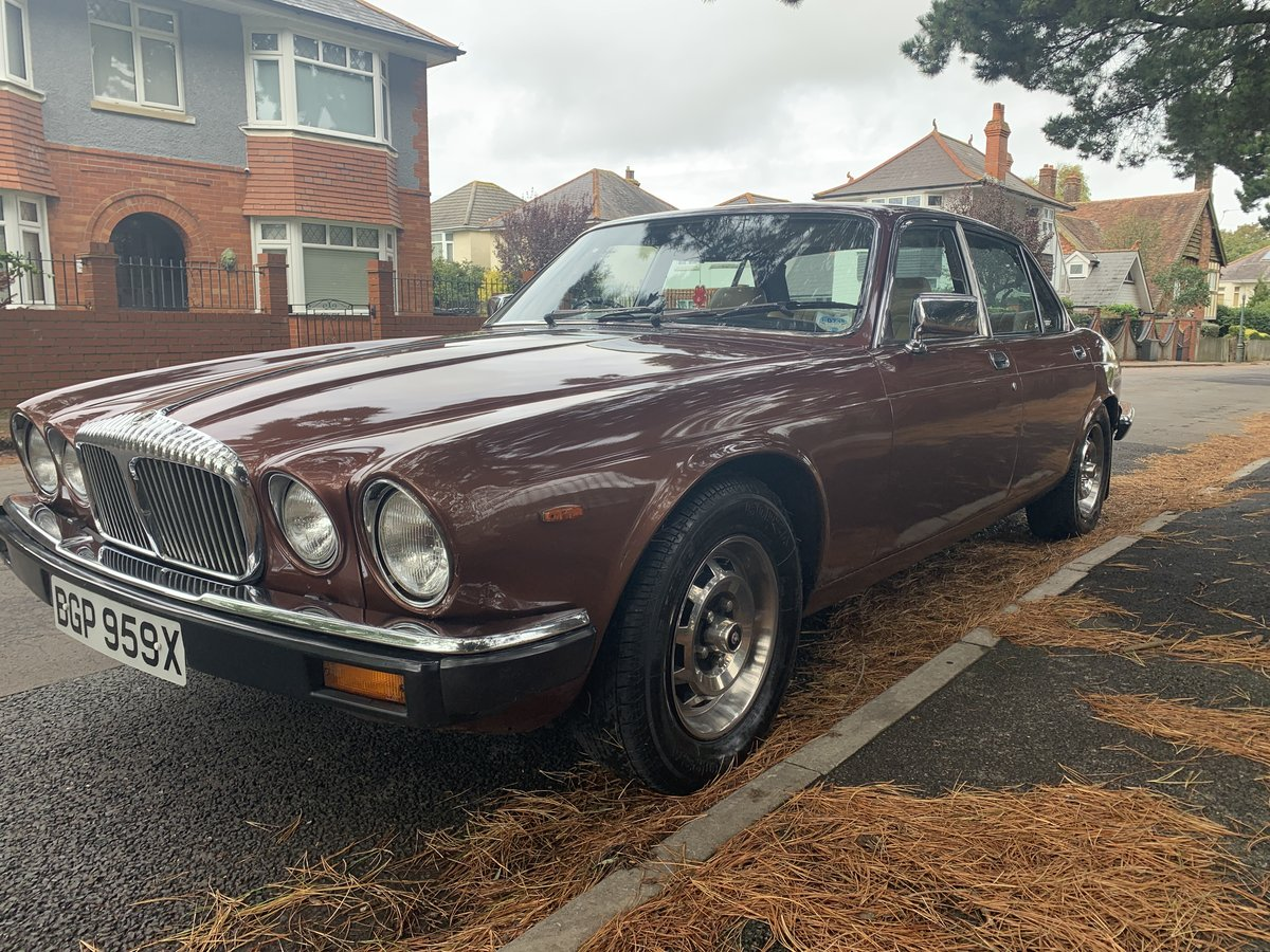 1981 Daimler 4.2 Sovereign For Sale (picture 2 of 6)