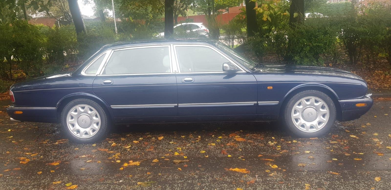 1999 Daimler Super Eight , Supercharged V8 For Sale (picture 2 of 6)