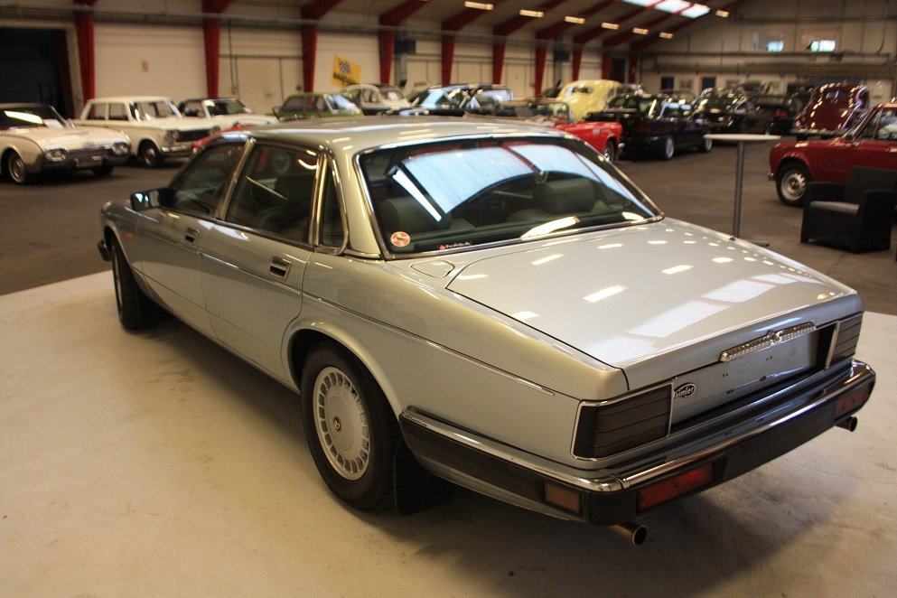 1991 Daimler XJ40 4.0 For Sale (picture 2 of 6)