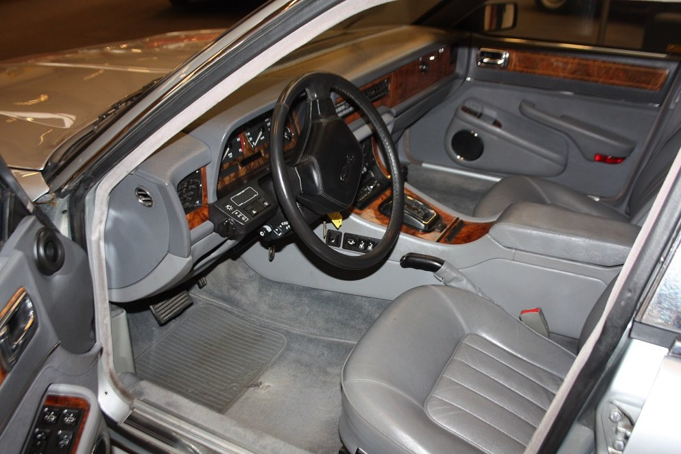 1991 Daimler XJ40 4.0 For Sale (picture 3 of 6)