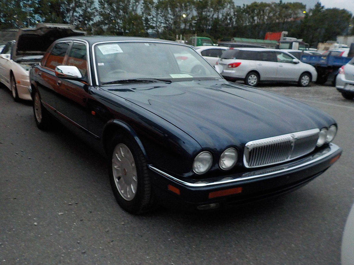 1994 DAIMLER DOUBLE SIX 6.0 V12 AUTOMATIC SUNROOF * FULL LEATHER For Sale (picture 1 of 6)