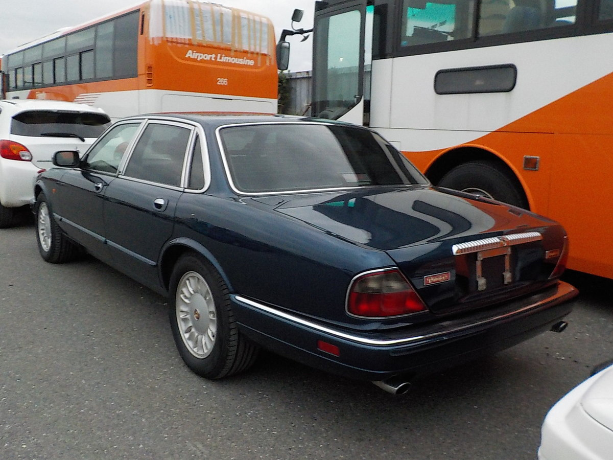 1994 DAIMLER DOUBLE SIX 6.0 V12 AUTOMATIC SUNROOF * FULL LEATHER For Sale (picture 2 of 6)