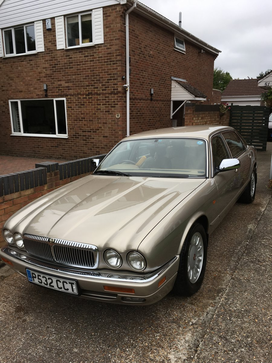 1997 Daimler Double Six LWB For Sale (picture 2 of 6)