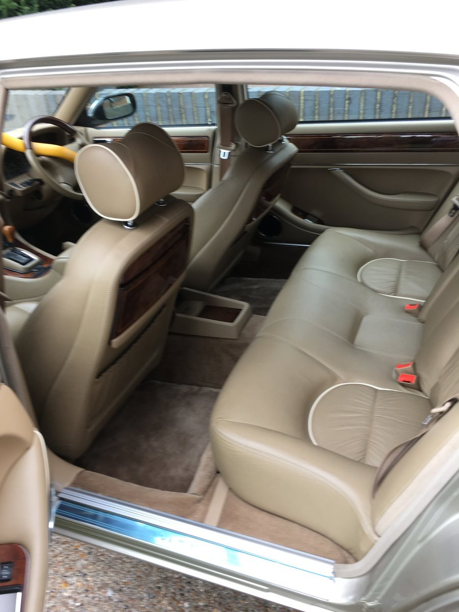 1997 Daimler Double Six LWB For Sale (picture 5 of 6)