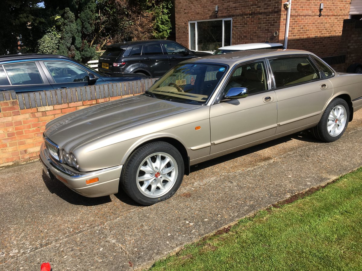 1997 Daimler Double Six LWB For Sale (picture 6 of 6)