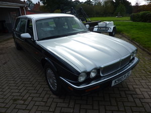 1996 Daimler six door limousine For Sale