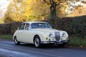 1965 Daimler 250 V8 Saloon For Sale