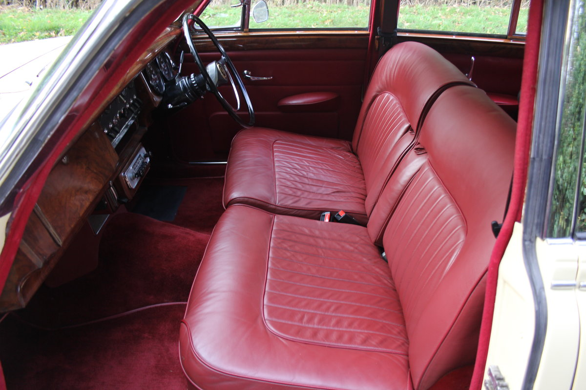1965 Daimler 250 V8 Saloon For Sale (picture 12 of 18)