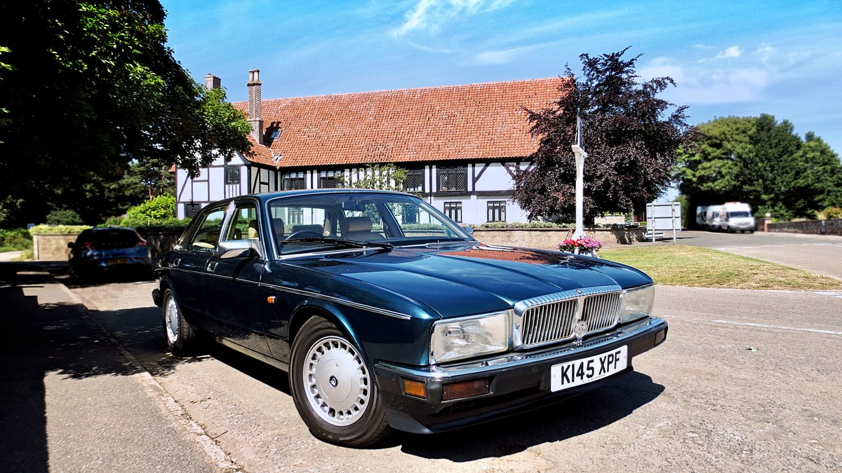 1993 1992 Daimler 4.0 Auto XJ40 - Stunning Condition For Sale (picture 1 of 6)
