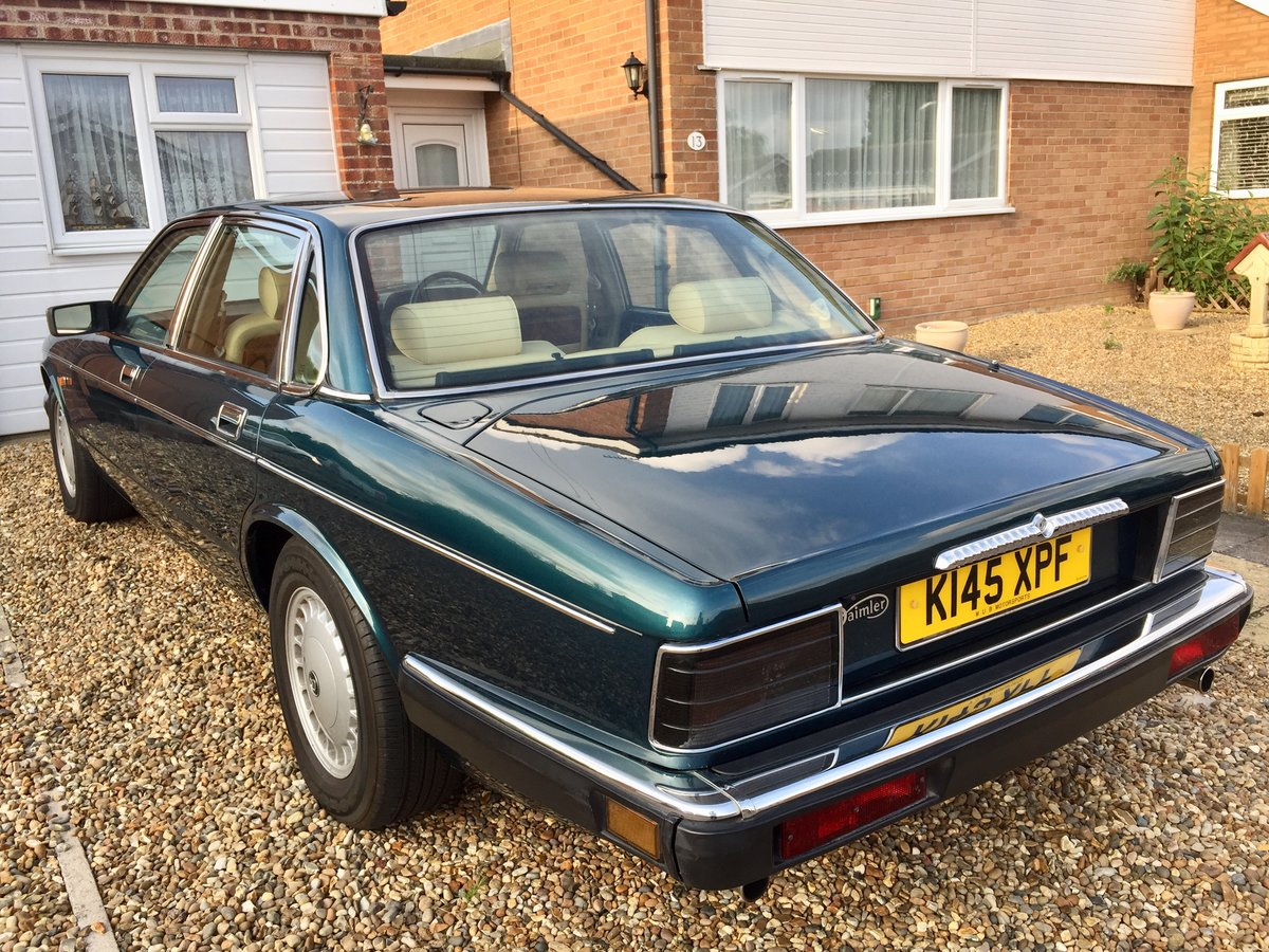 1993 1992 Daimler 4.0 Auto XJ40 - Stunning Condition For Sale (picture 2 of 6)