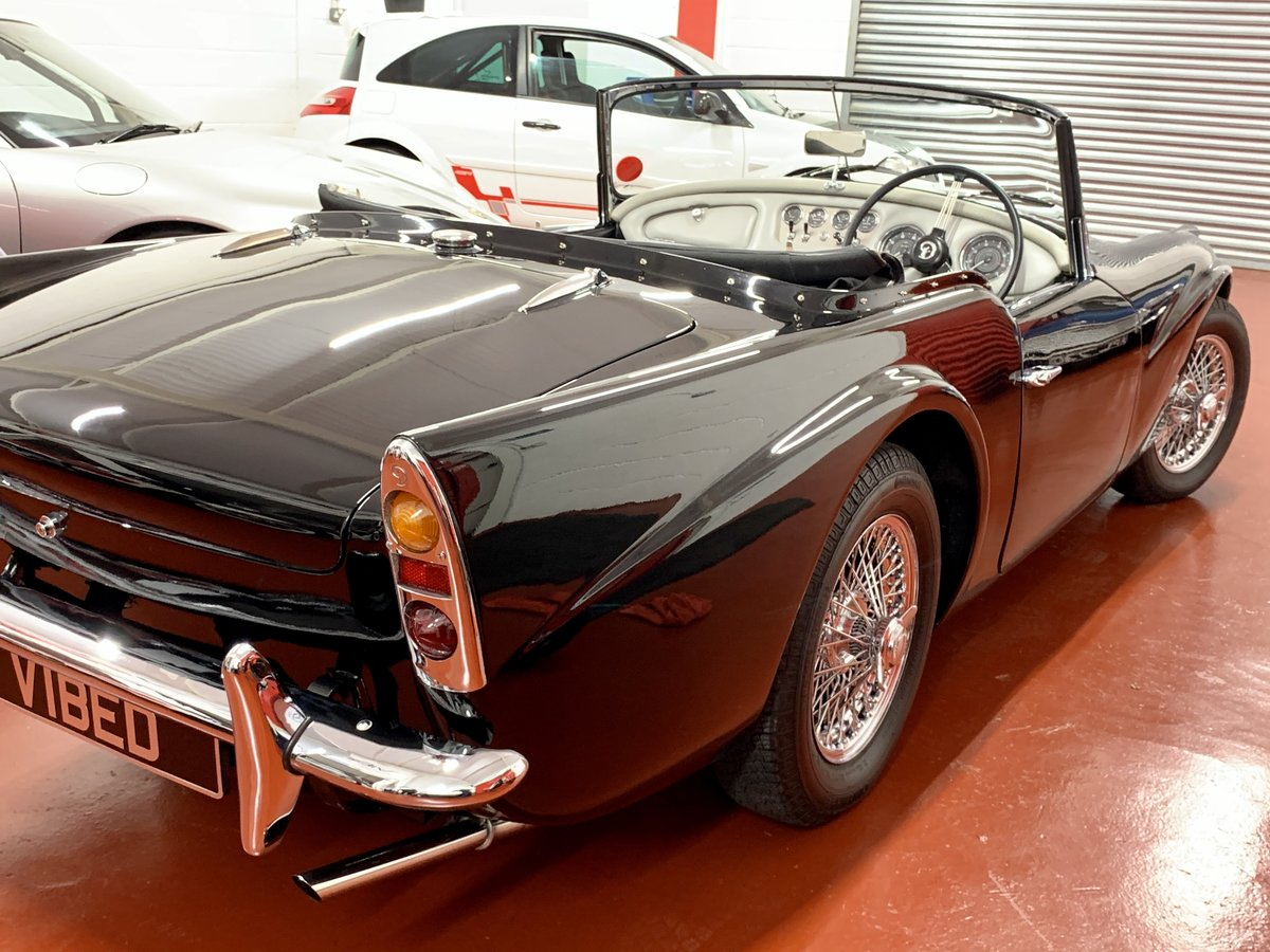 Daimler SP250 Dart 1963 - NOW SOLD SIMILAR CLASSICS REQUIRED For Sale (picture 3 of 6)