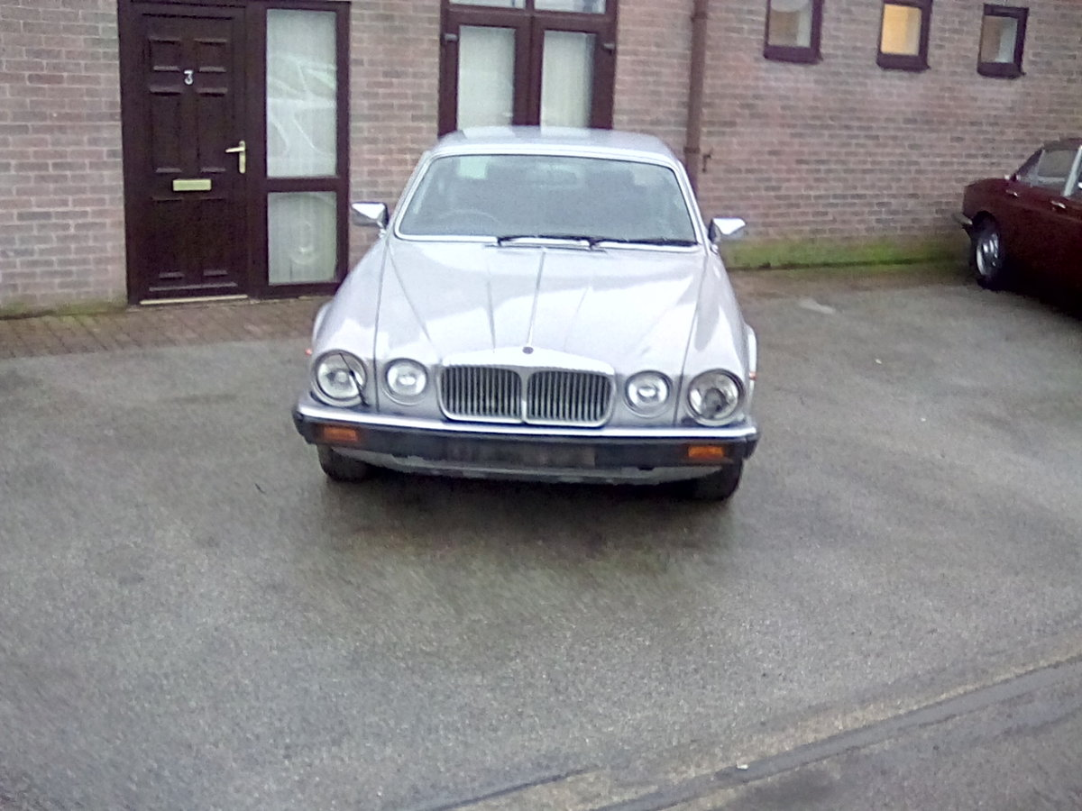 1982 Daimler sovereign series 3 4.2 SOLD (picture 1 of 6)
