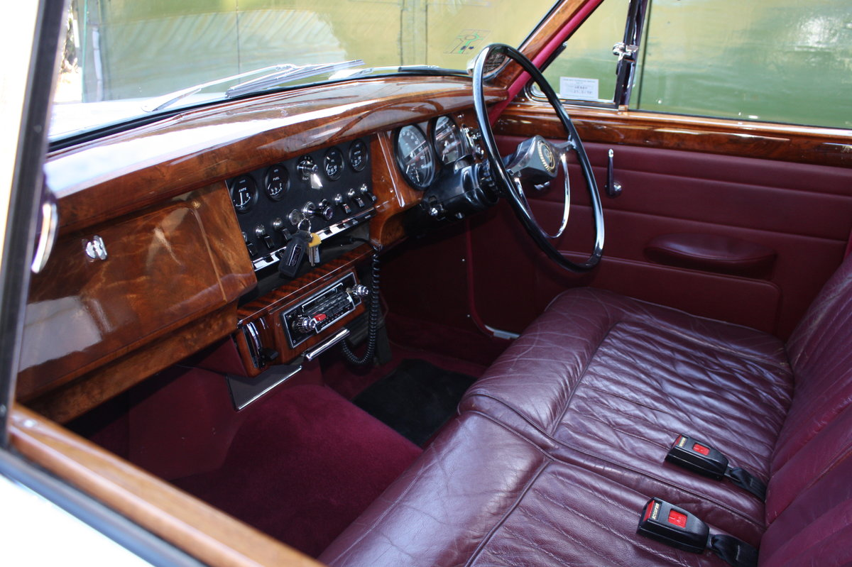 1967 Daimler V8 with low mileage and owners For Sale (picture 2 of 6)