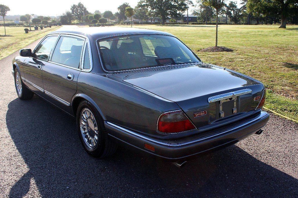 1997 Daimler Double Six Majestic,  For Sale (picture 3 of 6)