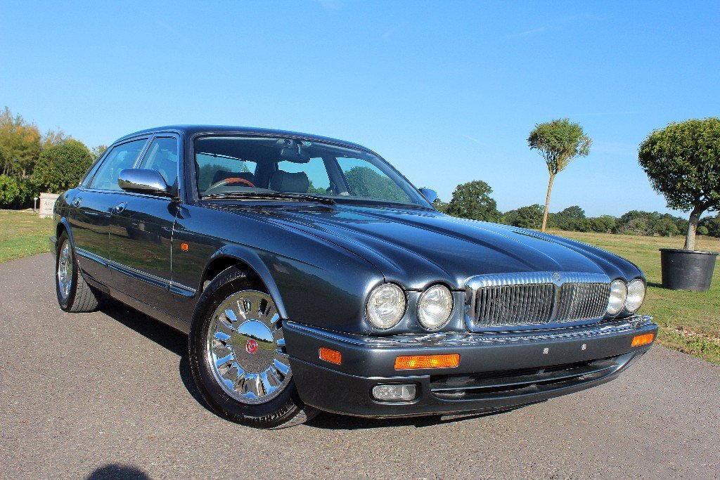1997 Daimler Double Six Majestic,  For Sale (picture 1 of 6)