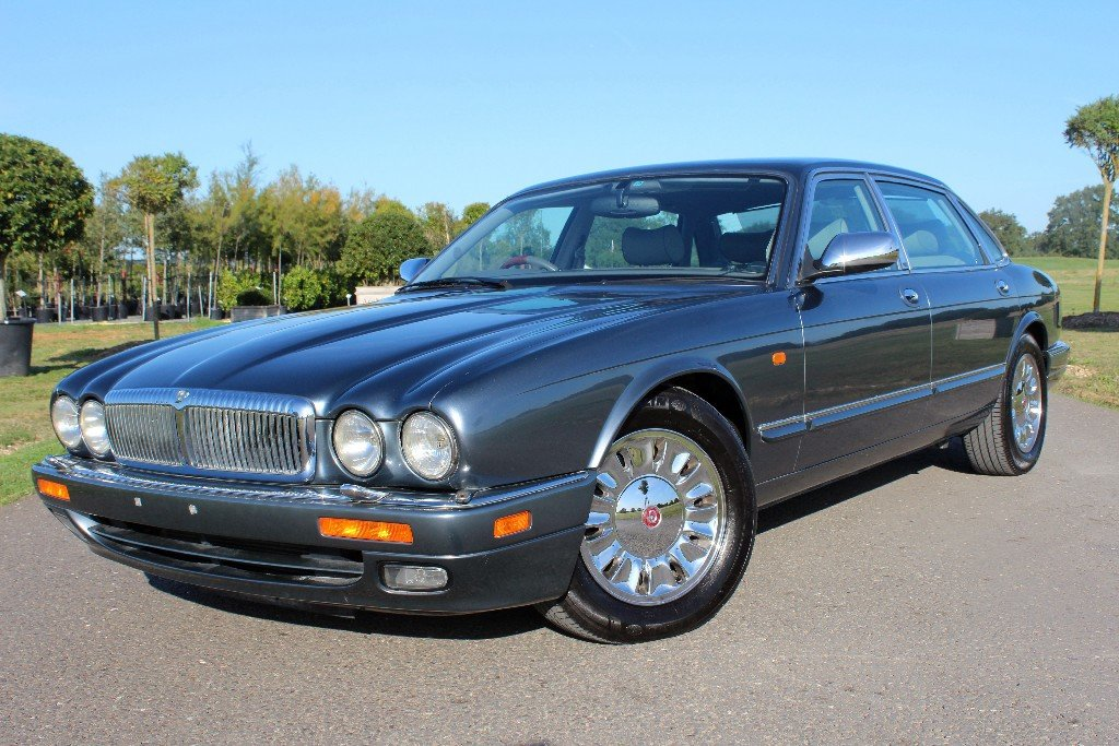 1997 Daimler Double Six Majestic,  For Sale (picture 2 of 6)