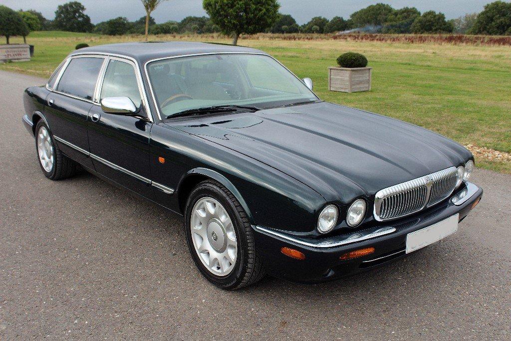1998 Daimler Super V8 Supercharged LWB For Sale (picture 1 of 5)