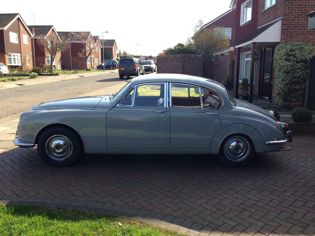 1969 Daimler 250 v8 SOLD (picture 3 of 6)