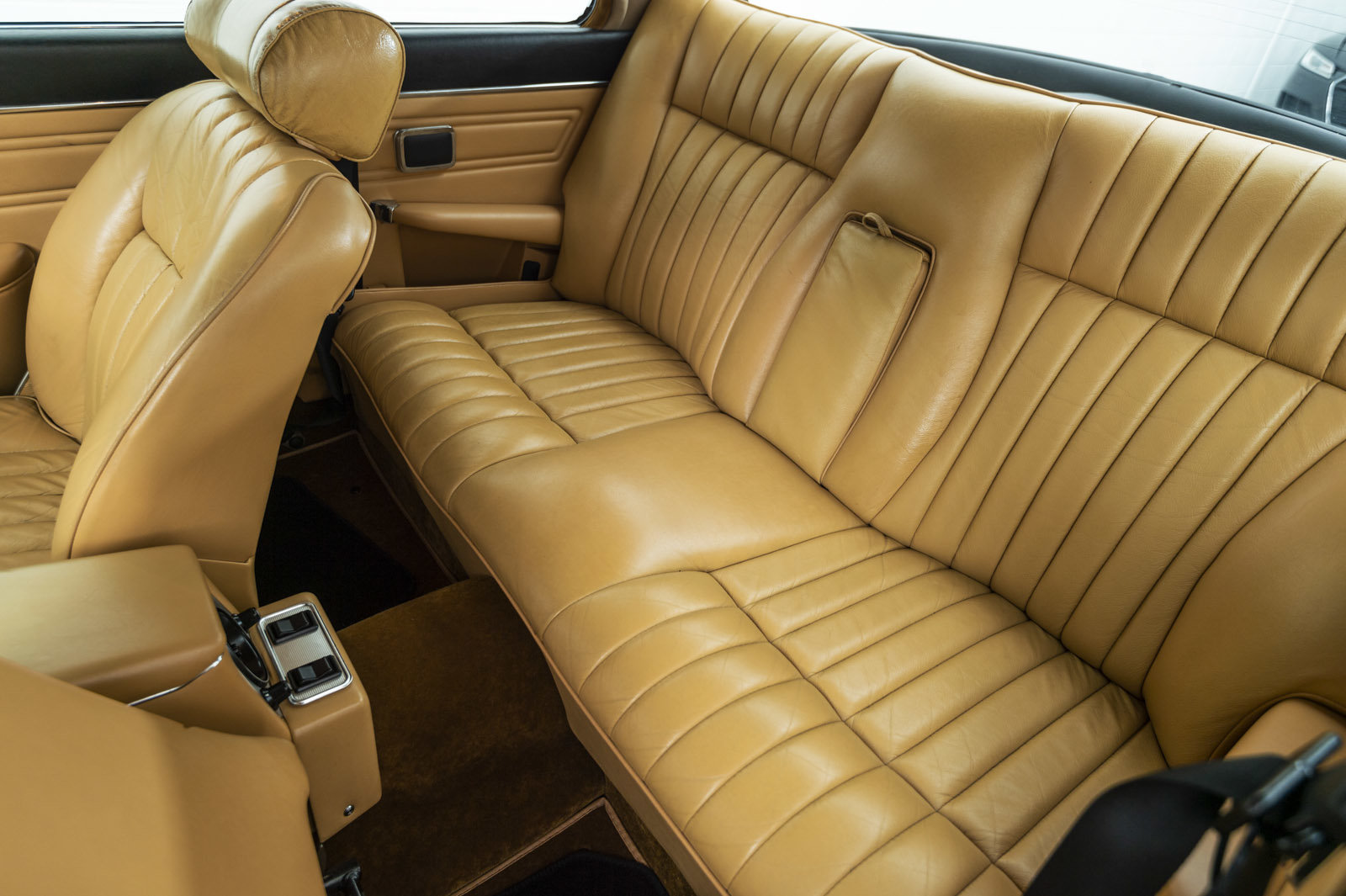 1977 DAMILER DOUBLE SIX COUPE 5.3 V12 - 33,487 mls For Sale (picture 6 of 6)