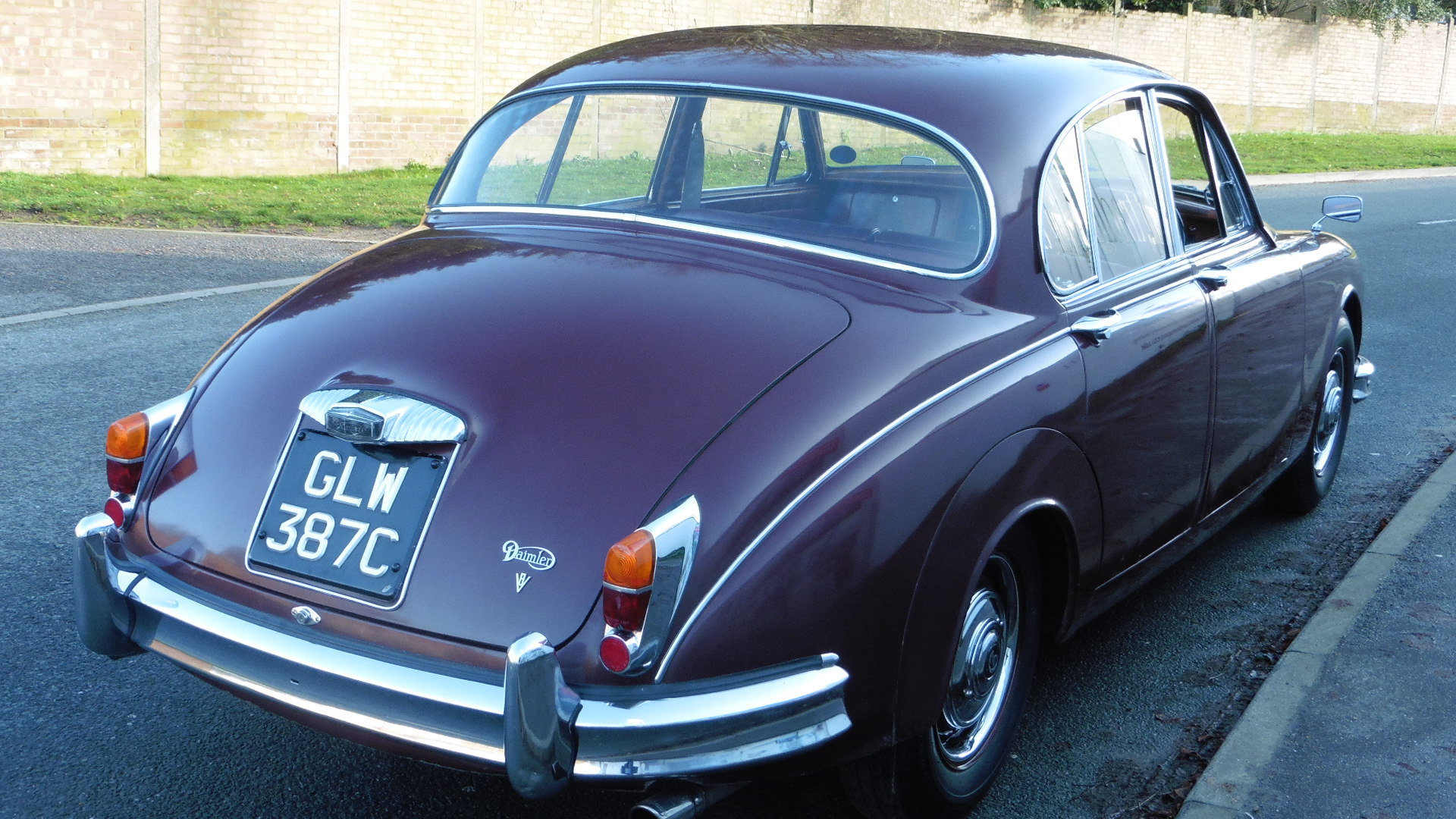1965 Daimler V8 250 Just 2 Owners & 45,000 Miles Time Warp Cond. SOLD (picture 2 of 6)