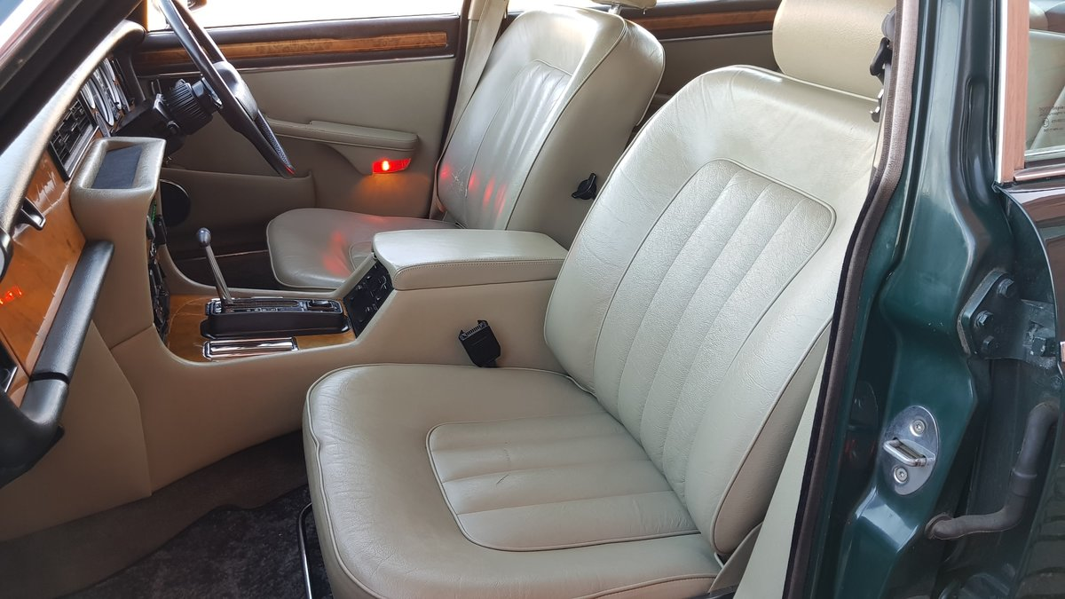 1991 DAIMLER DOUBLE SIX 5.3 SERIES 3 V12 AUTO * ONLY 16000 MILES  For Sale (picture 3 of 6)