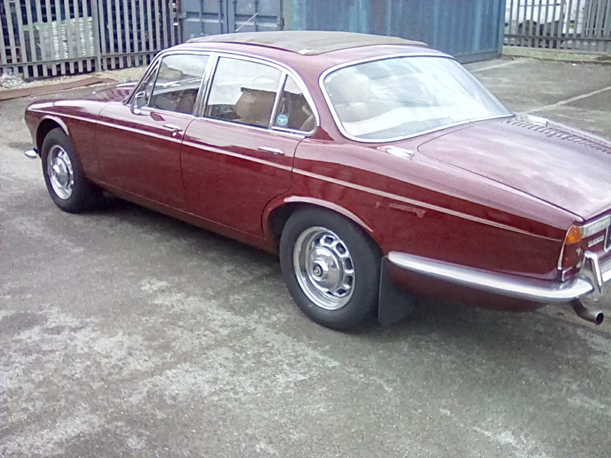 Daimler Sovereign series 1 2.8 auto SOLD (picture 3 of 6)