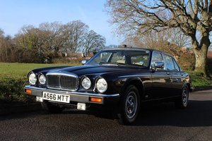 Daimler 4.2 auto 1983 7507 MILES- To be auctioned 24-04-20