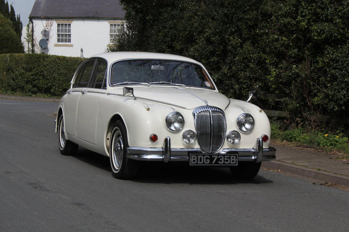 1964 Daimler 250 V8 Saloon, Show Standard, 800 Hour Restoration For Sale (picture 1 of 20)
